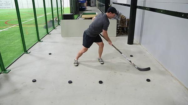 Basic Stickhandling - Backhand Side Lateral - With Reach